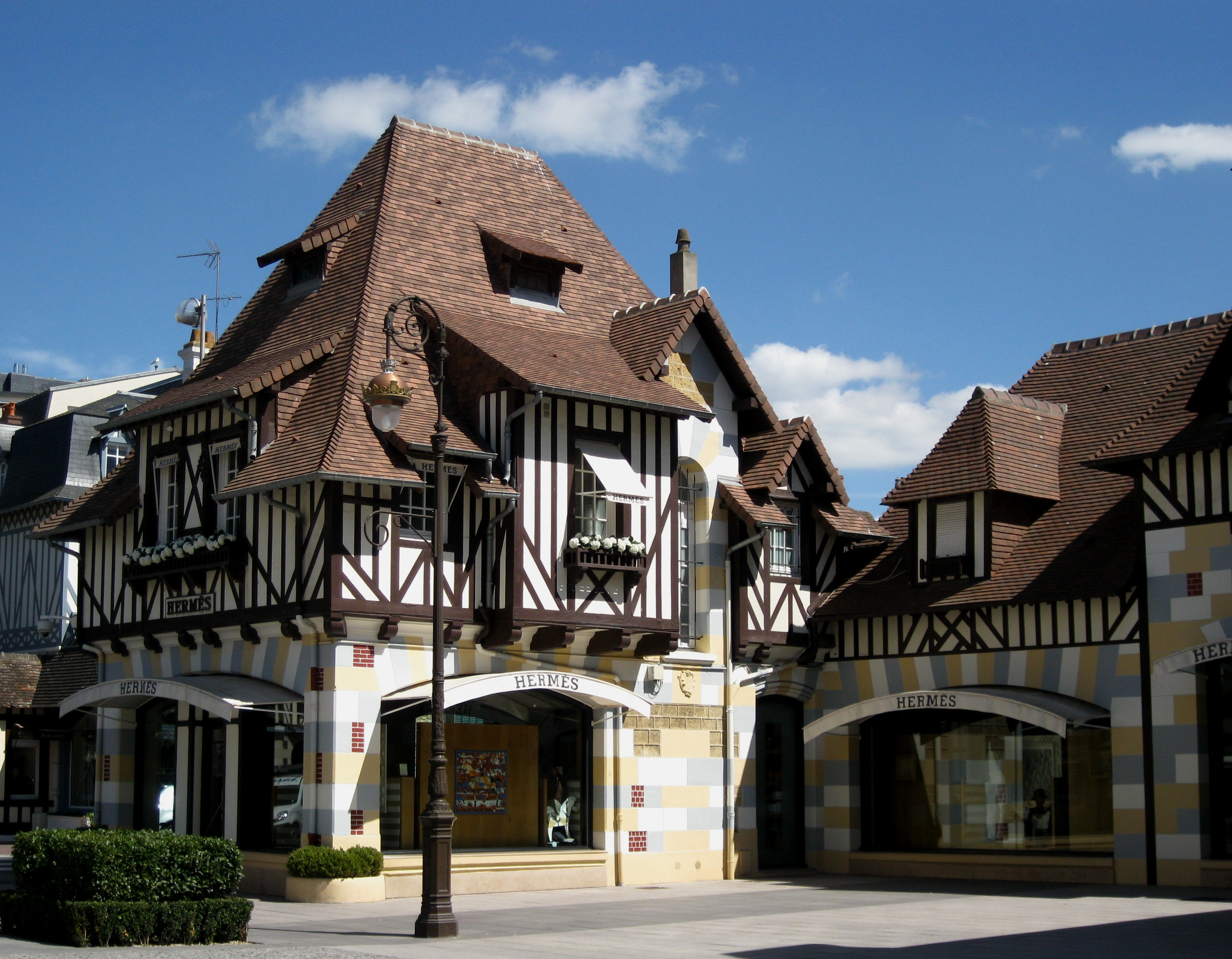 My afternoon in Deauville: sea, pics and shops | Ritournelle