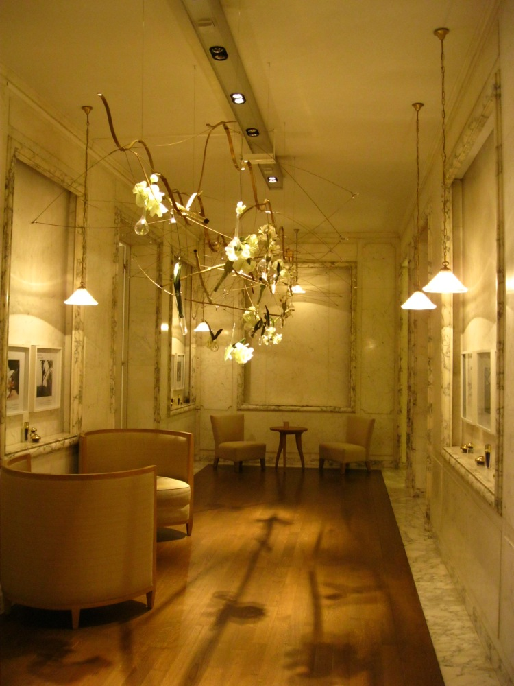 the guerlain store and spa in paris perfume and pampering ritournelle. Black Bedroom Furniture Sets. Home Design Ideas