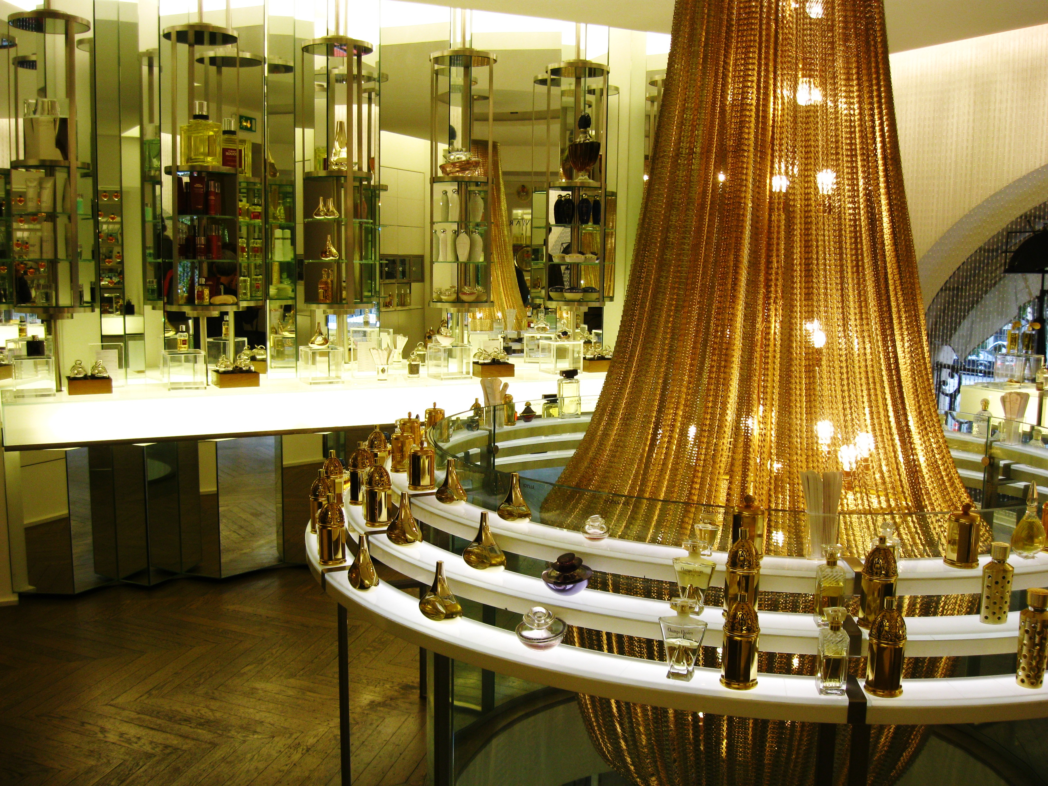 The Guerlain Store And Spa In Paris Perfume And Pampering Ritournelle