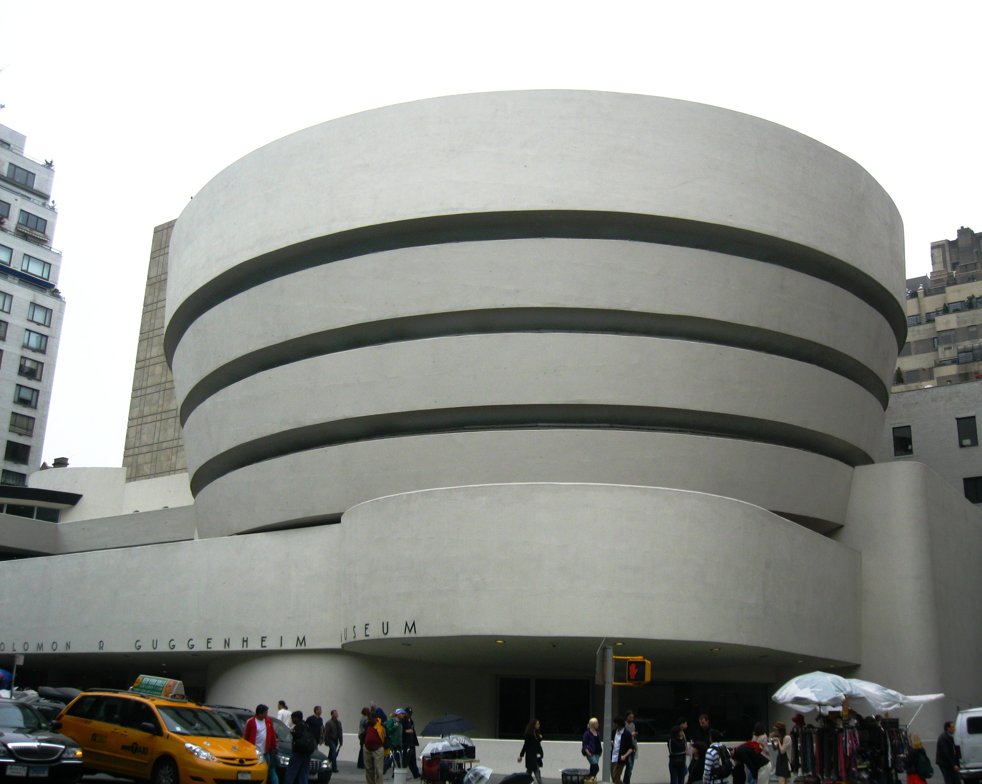 comparison of the met and guggenheim essay Essays research papers - comparison of the met and guggenheim.