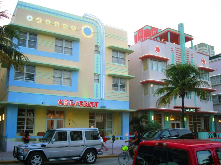 Miami Art Deco Crescent