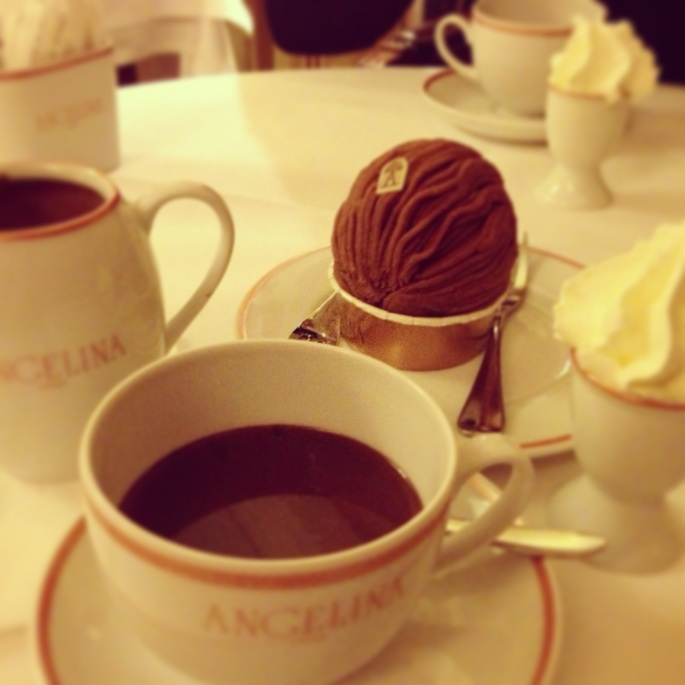 Angelina Hot chocolate Mont-Blanc