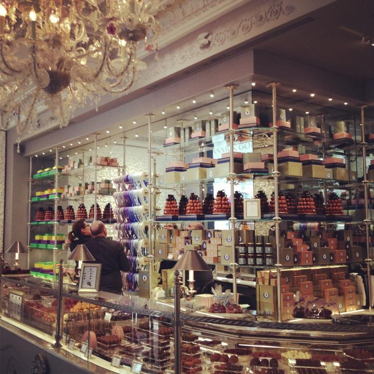Le Marquis de Ladurée store Instagram