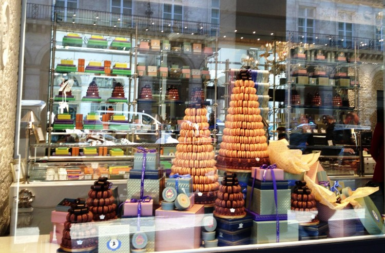 Le Marquis de Ladurée window Instagram