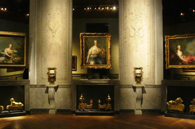Versailles Antique Chateau  3 portraits