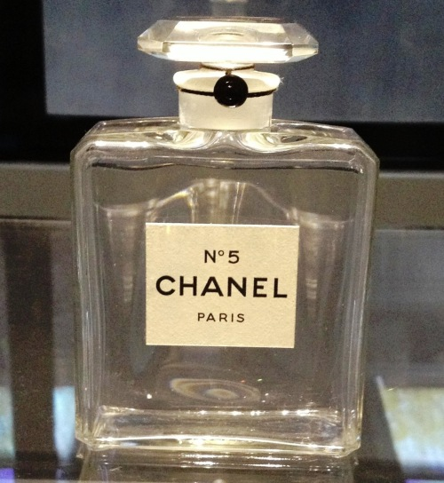Chanel 5 bottle 1924