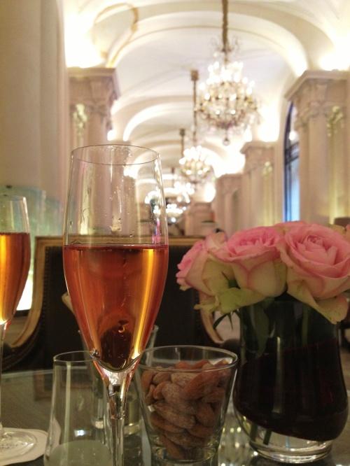Plaza Athénée Champagne 2 flutes