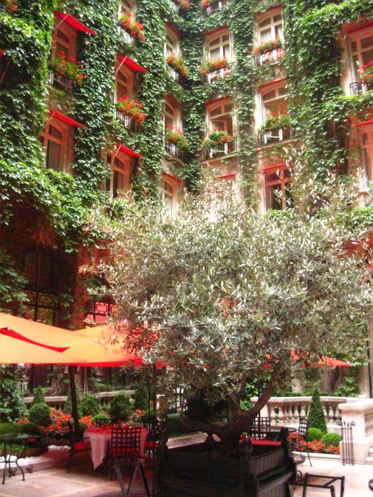 Plaza Athénée courtyard
