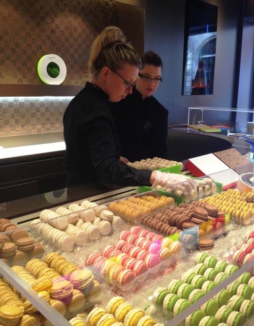 Pierre Herme store Marais macaron
