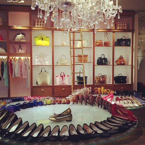 Repetto rue du Four Paris store