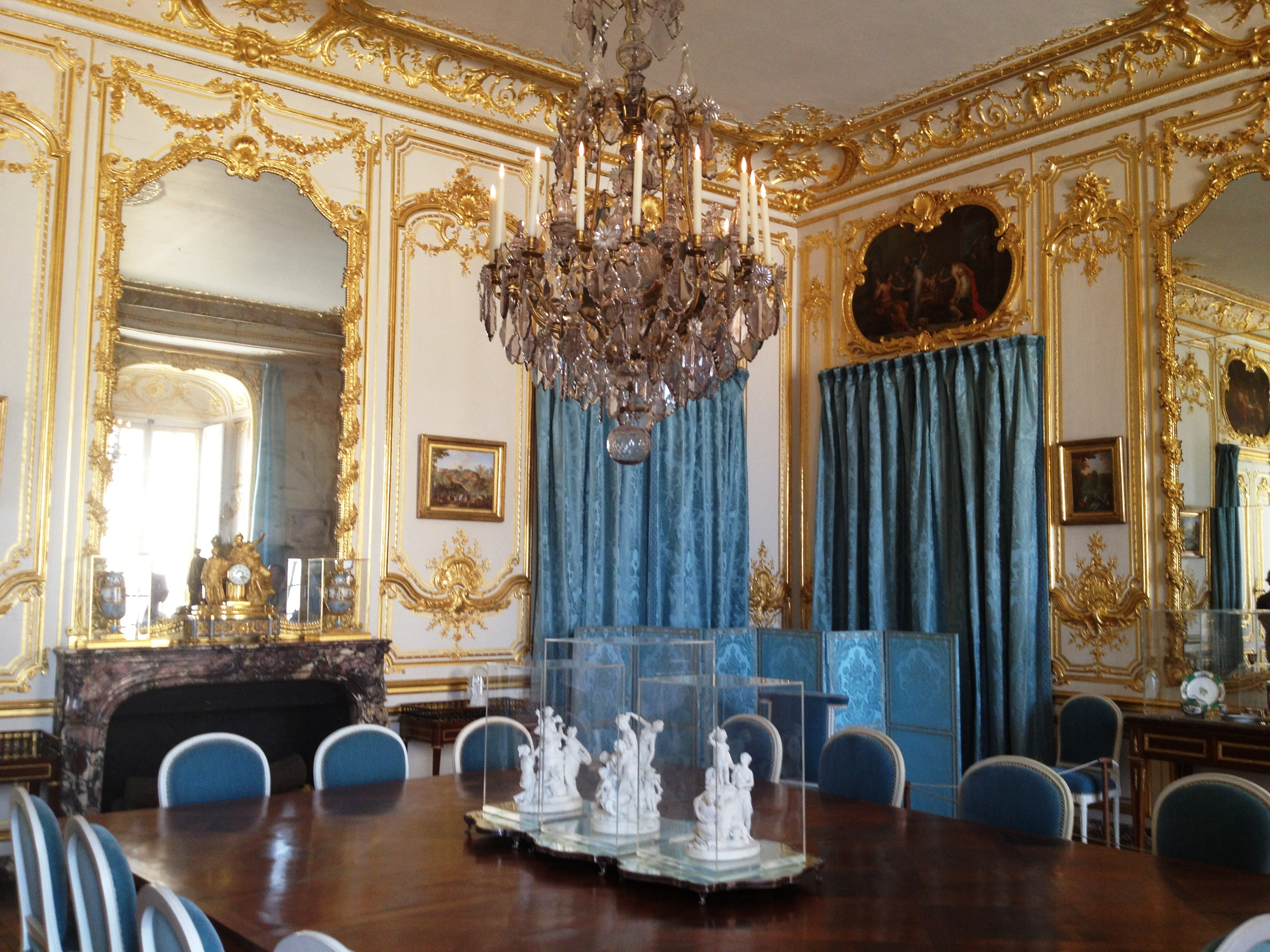 Attractive Versailles Dining Room