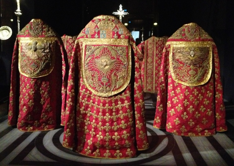 Versailles Holy Sepulchre robes