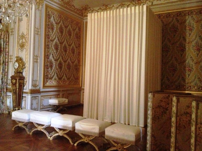 Versailles king private bedroom