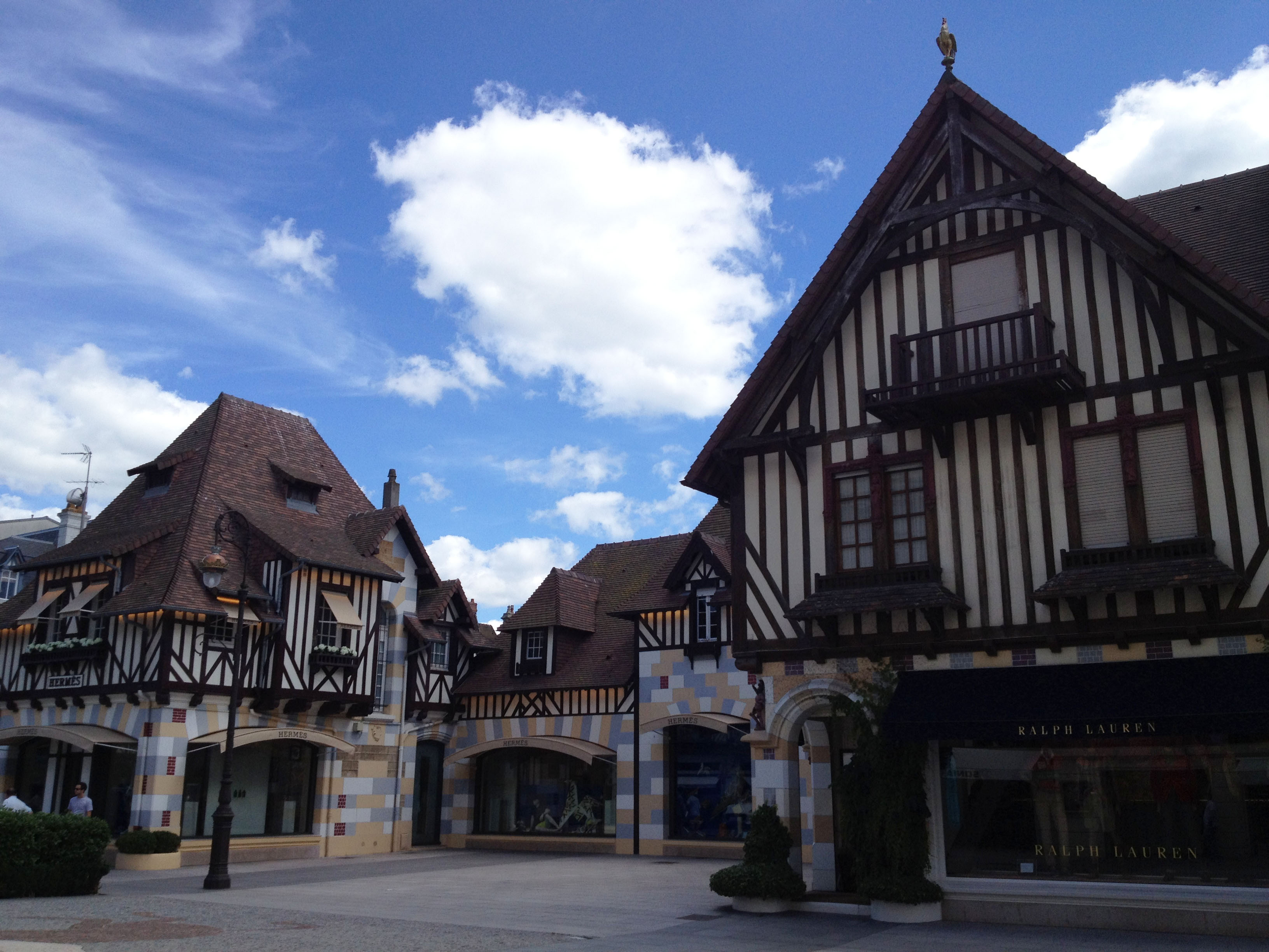 A Sunday in Deauville – Ritournelle