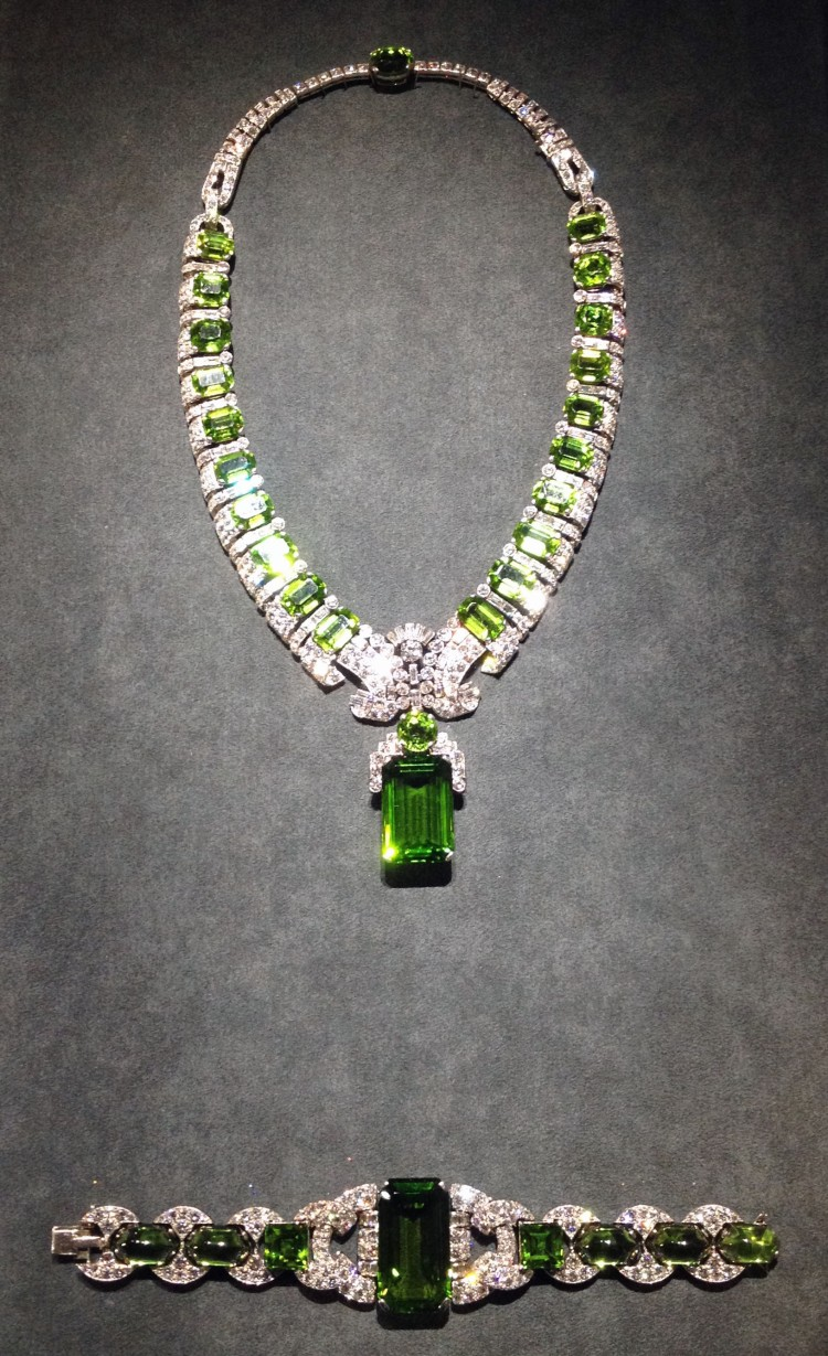 Cartier Grand Palais emerald necklace bracelet