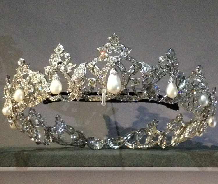 Cartier Grand Palais tiara pearls