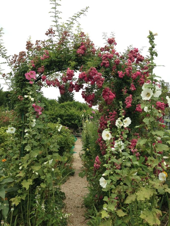 Giverny Claude Monet garden 9