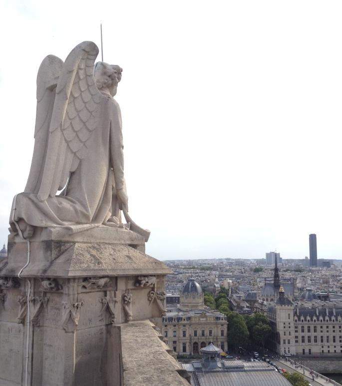 Paris Tour Saint Jacques Conciergerie