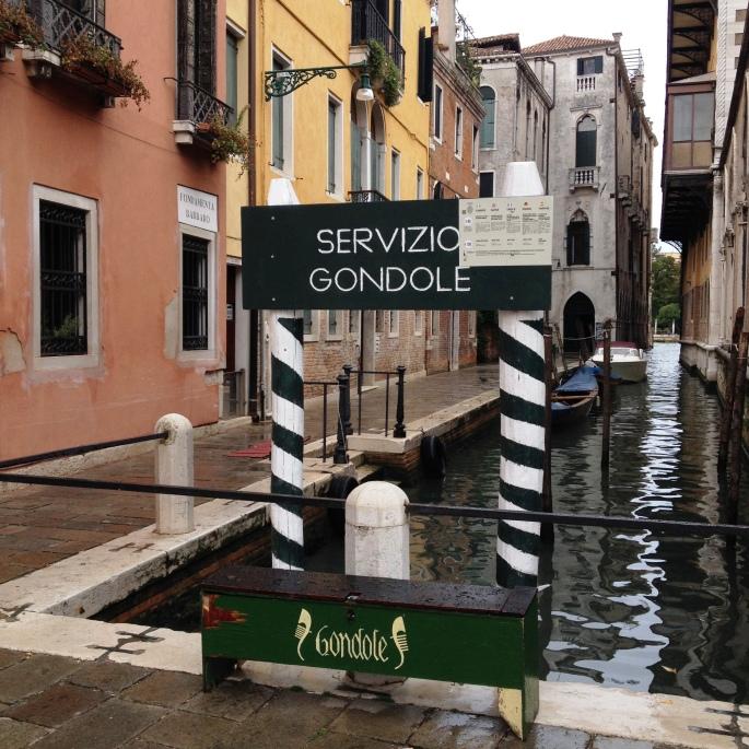 Venice gondola service