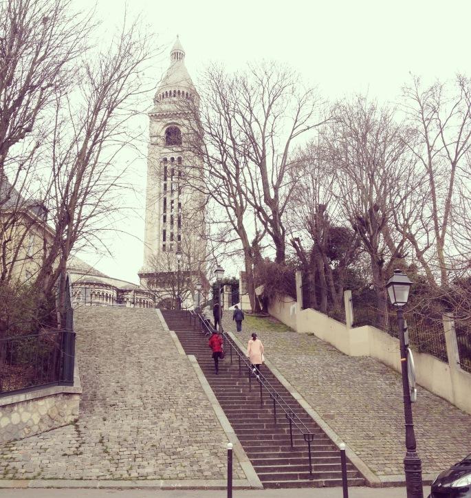 Montmartre Sacré Coeur back